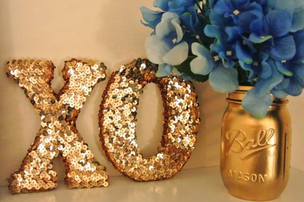 10 ideas para decorar con letras depto51 blog - Adornos para la casa con reciclaje ...
